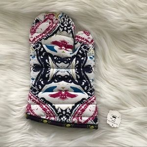 💕3/$20 OR $13💕NEVER USED ANTHROPOLOGIE OVEN MITT